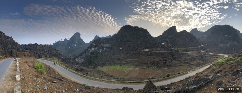 A curve in Ha Giang province - Vinalib Stock Pictures