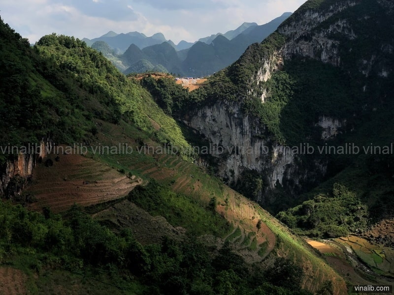 Majestuous mountains in Ha Giang province - Vinalib Stock Pictures